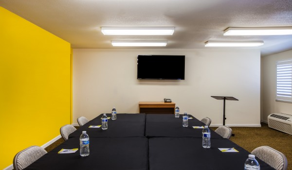 Welcome To Days Inn Antioch - Meeting Room